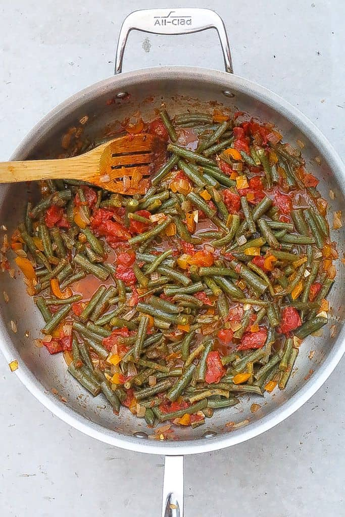 green beans in a skillet